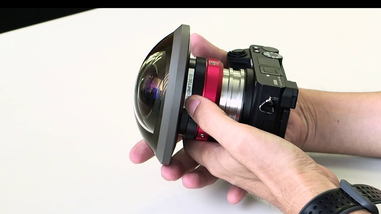 Entaniya Fisheye has a focus lock ring